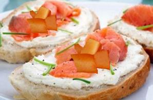 Tartine di melone e salmone