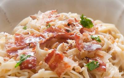 Tagliolini con castagne e pancetta
